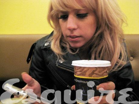 Gaga in Esq