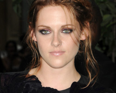 """""""The Twilight Saga: Eclipse"""" New York City Screening Hosted by The Cinema Society and Piaget - Outside Arrivals"""