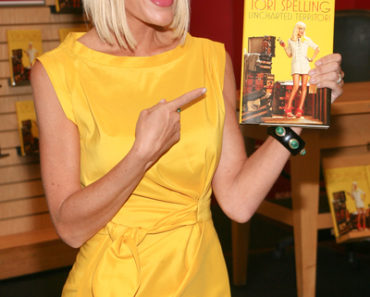 "Tori Spelling's ""Uncharted TerriTori"" Book Signing at Borders in New York on June 16, 2010"
