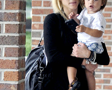 Newly Divorced Elin Nordegren Steps Out With Her Children