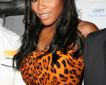 Serena Williams Celebrates Her Cover of Niche Media's Hamptons Magazine at Pranna in New York City on August 25, 2010