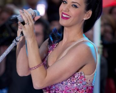 "Katy Perry in Concert on NBC's ""Today Show"" - August 27, 2010"