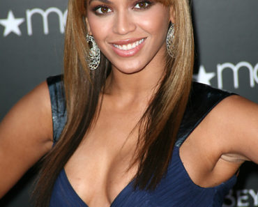 "Beyonce Knowles Launches Hew New Fragrance ""Beyonce Heat"" at Macy's in New York on February 3, 2010"