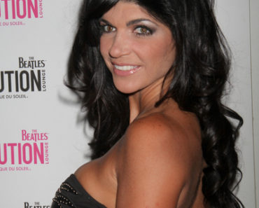 Teresa Giudice Hosts Evening at The Beatles Revolution Lounge in Las Vegas on September 5, 2010