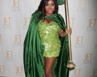 "Nicole ""Snooki"" Polizzi Judges the Best Dressed Partygoer at ""A Nightmare in Jersey"" Halloween Weekend at Jet Nightclub in Las Vegas on October 30, 2010"