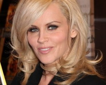 "Jenny McCarthy ""Love, Lust & Faking It: The Naked Truth About Sex, Lies, and True Romance"" Book Signing at the Grove in Los Angeles on October 4, 2010"