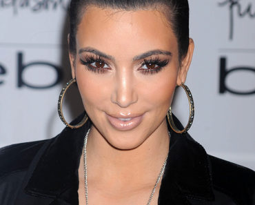 Kim Kardashian bebe Jewelry Launch at the Bebe Store in New York City on November 16, 2010