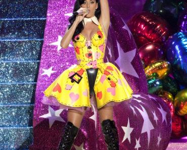 2010 Victoria's Secret Fashion Show - Performance