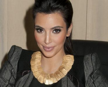 """Kardashian Konfidential"" Book Signing at Barnes & Noble in New York City on November 30, 2010"