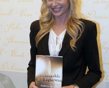 "Portia de Rossi ""Unbearable Lightness: A Story of Loss and Gain"" Book Signing at Barnes & Noble in New York City on November 5, 2010"