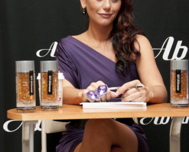 "Jenni ""Jwoww"" Farley Launches Ab Cuts Natural Body Supplement by Revolution at GNC in New York City on December 15, 2010"