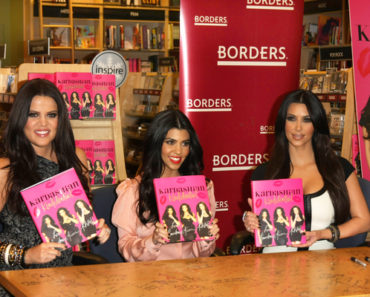 """Kardashian Konfidential"" Book Signing at Borders in Los Angeles on December 2, 2010"