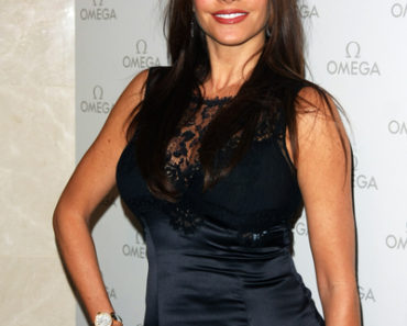 Sofia Vergara Cuts the Ribbon on Omega's Newest Boutique at the Beverly Center in Los Angeles on December 8, 2010