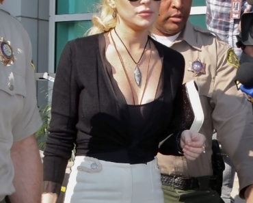 Lindsay Lohan At Court For Theft Hearing