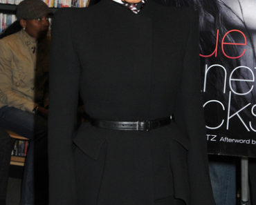 "Janet Jackson ""True You: A Journey to Finding and Loving Yourself"" Book Signing at Barnes & Noble in New York City on March 19, 2011"