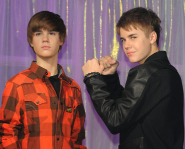 Justin Bieber Meets His New Wax Figure at Madame Tussauds in London on March 15, 2011