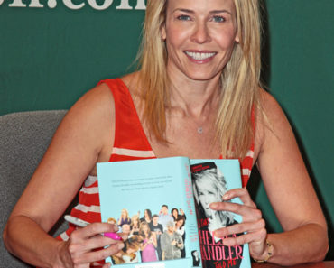 "Chelsea Handler ""Lies that Chelsea Handler Told Me"" Book Signing at Barnes & Noble in New York City on May 21, 2011"