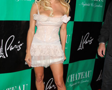Pamela Anderson Celebrates Her 44th Birthday at Chateau Nightclub in Las Vegas on July 30, 2011