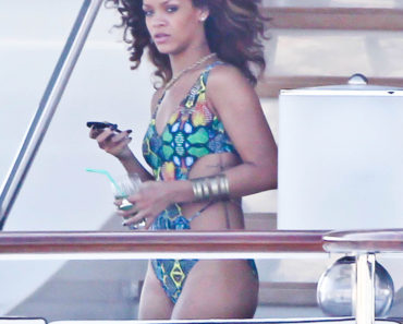 Rihanna Wears A Monokini On A Yacht