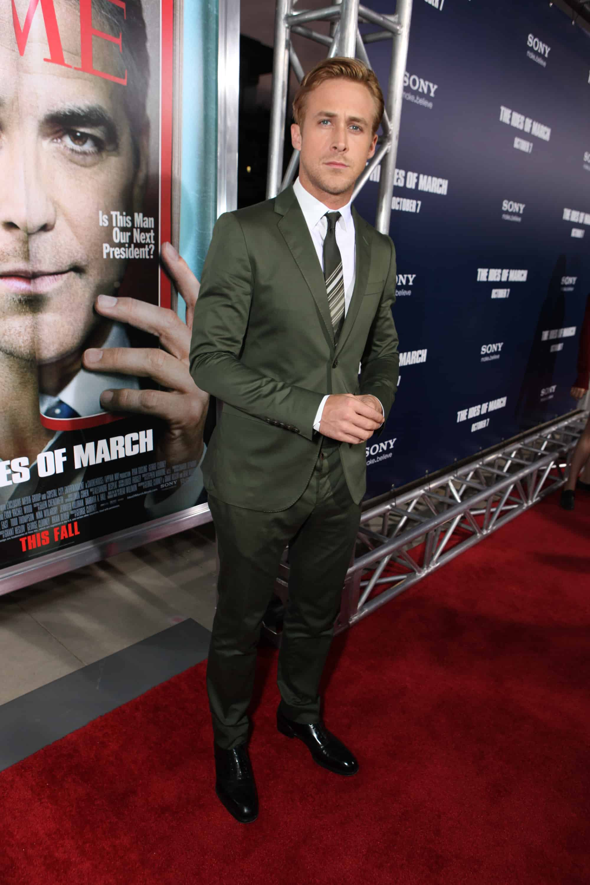 Ryan Gosling Suit Ides-of-march-premiere-1.jpg