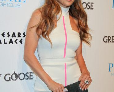 Jennifer Lopez Appears at Pure Nightclub in Las Vegas on September 24, 2011