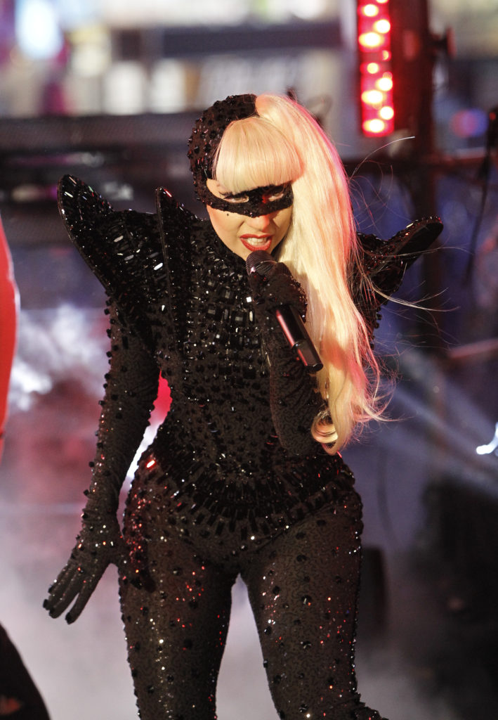 Lady Gaga S New Year S Eve Performance Beautelicious
