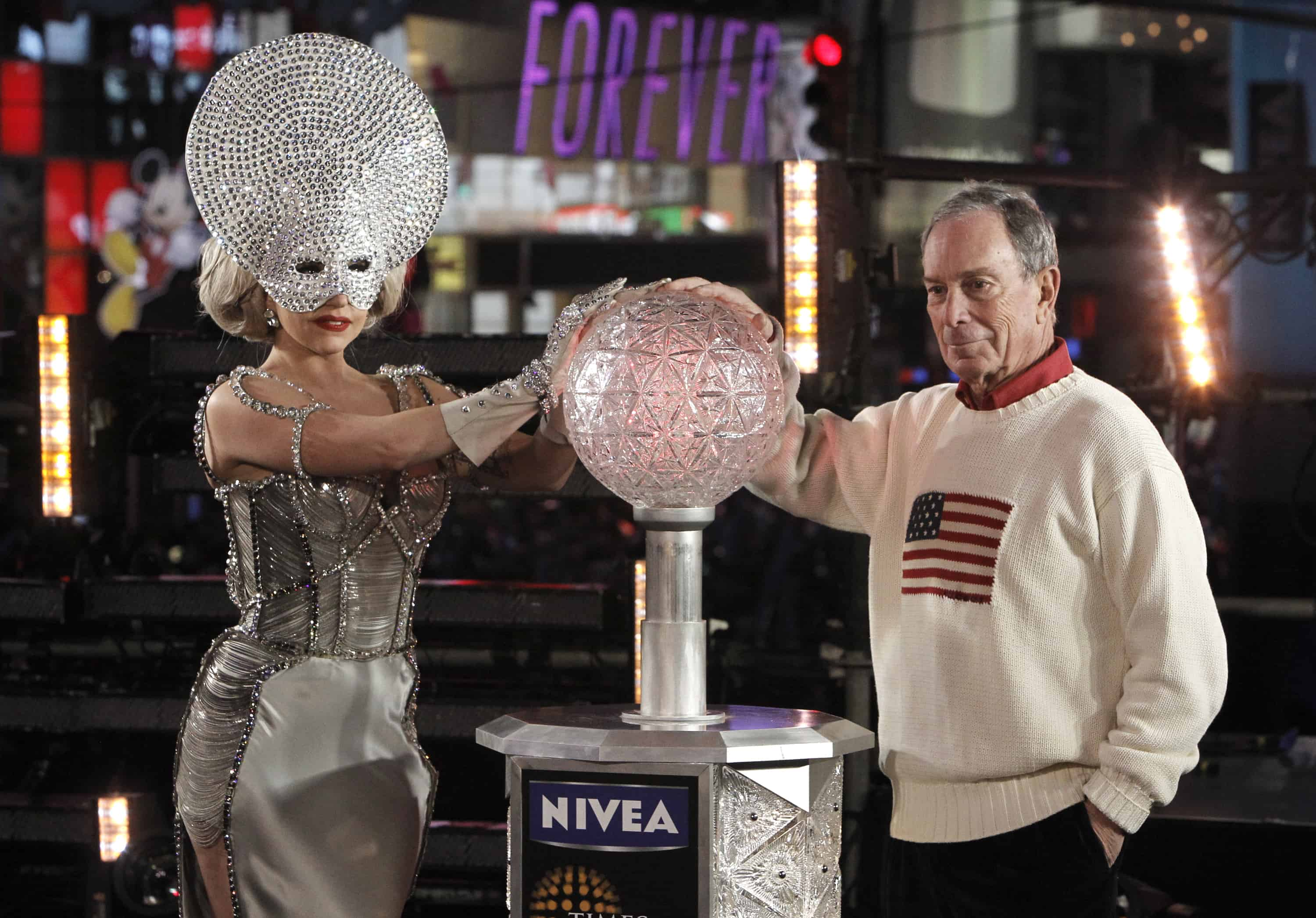 LADY GAGA, MAYOR MICHAEL BLOOMBERG COUNTDOWN THE NEW YEAR