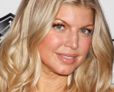 Fergie Hosts a New Year's Eve Bash at the Premiere of 1Oak Las Vegas on December 31, 2011