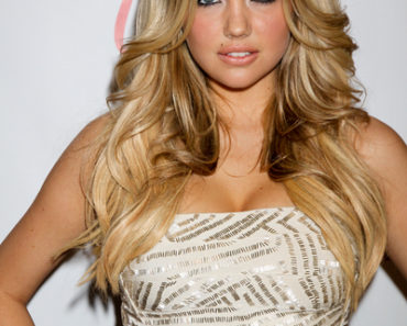 2011 Sports Illustrated SI Swimsuit Models Party at Vanity Nightclub in Las Vegas on February 17, 2011