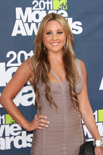 AES 039087 333x500 Amanda Bynes Released From Rehab, Looking At Fashion Schools
