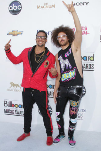 AES 070798 333x500 The Billboard Awards Winners List & Performances!