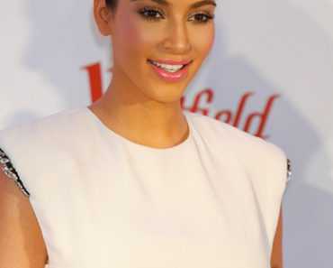 Kim Kardashian Promotes Her QuickTrim Essentials Weight Loss Kit at the Westfield Shopping Centre in London on May 19, 2012