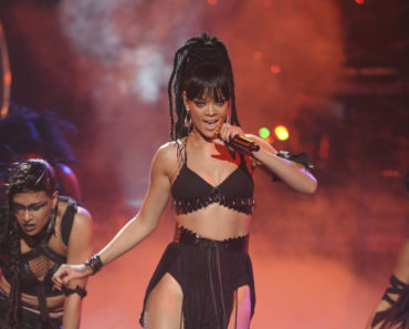 AMERICAN IDOL: Special guest Rihanna