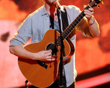 AMERICAN IDOL: Phillip Phillips