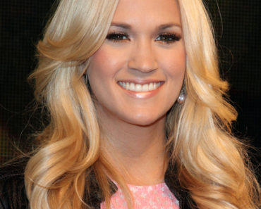 """Carrie Underwood """"Blown Away"""" Album Signing at HMV in London on June 20, 2012"""