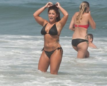 "MTV's ""Jersey Shore"" Filming on Location in Seaside Heights - June 20, 2012"