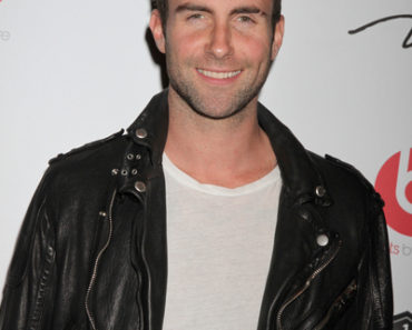 Adam Levine in Concert at 1Oak Nightclub in Las Vegas - January 13, 2012