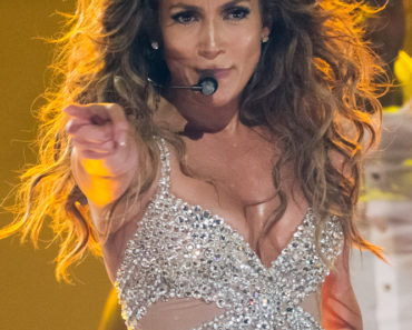 Jennifer Lopez in Concert at Pavilhao Atlantico in Lisbon - October 5, 2012