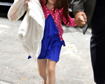 Katie Holmes and Suri Cruise Sighted Departing Joanne's Trattoria Restaurant in New York City on March 22, 2012