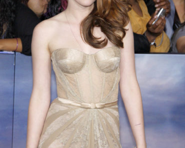 """The Twilight Saga: Breaking Dawn - Part 2"" World Premiere - Arrivals"