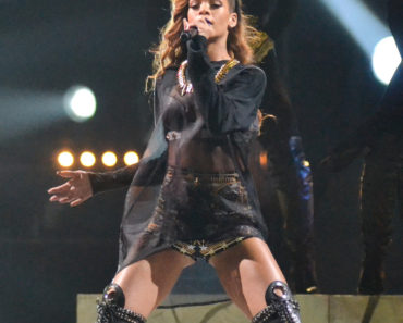Rihanna in Concert at the Honda Center in Anaheim - April 9, 2013