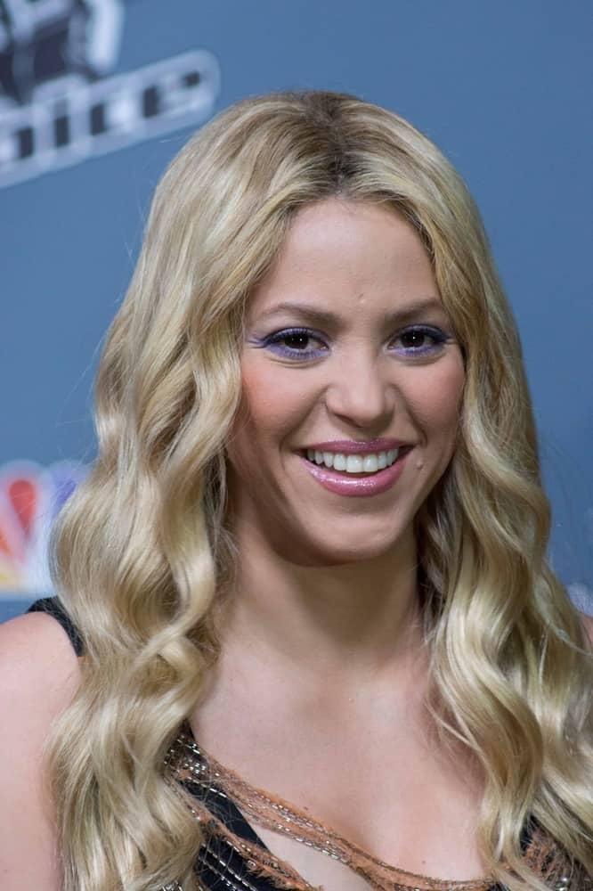 Shakira May Nude Photos 71