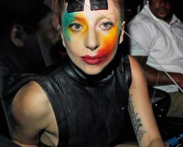 Lady Gaga Painted face