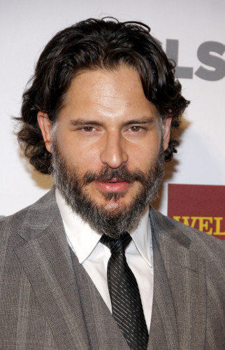 DGG 039233 322x500 Joe Manganiello Reveals Drinking Problem in His 20s