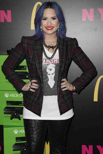 MTO 010092 334x500 Demi Lovato: NYLON Cover Launch Party