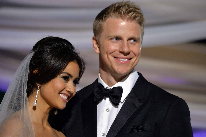 bachelor star sean lowe marries catherine giudici