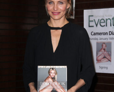 "Cameron Diaz's ""The Body Book"" Book Signing at Barnes & Noble in Los Angeles on January 16, 2014"