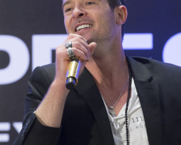 Robin Thicke in Concert at Express Times Square Grand Opening in New York City - March 25, 2014