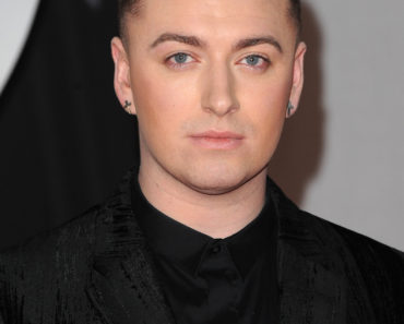 BRIT Awards 2014 - Arrivals