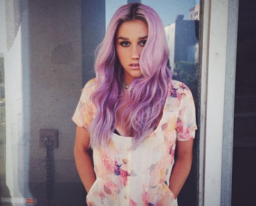 Kesha-Purple-Hair